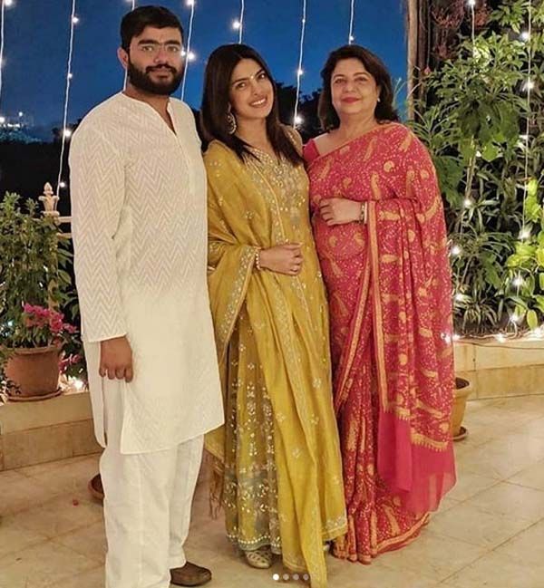 Priyanka Chopra with family on Diwali