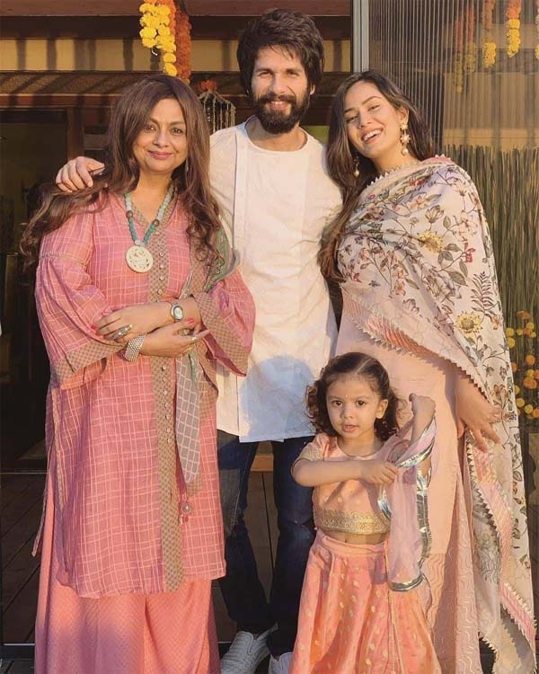 Shahid Kapoor with family on Diwali