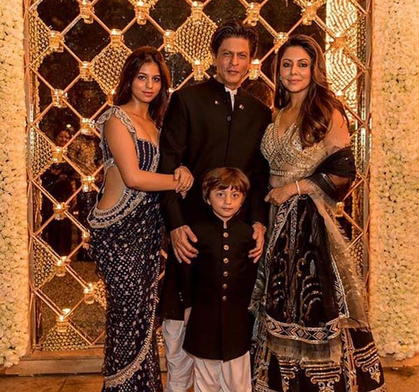 SRK with family on Diwali