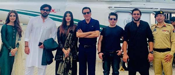 Celebrities stands with Imran Khan to support Kashmir