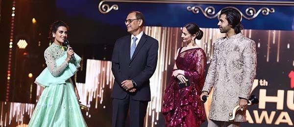 Iqra Aziz & Farhan Saeed Hum Awards 2019